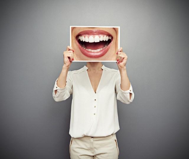12 maus hábitos que estragam seus dentes